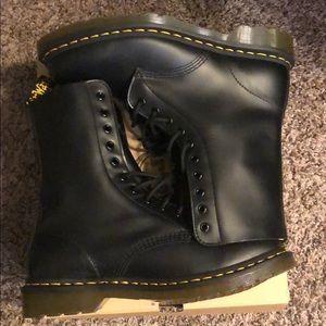 Brand new dr marten boots never worn
